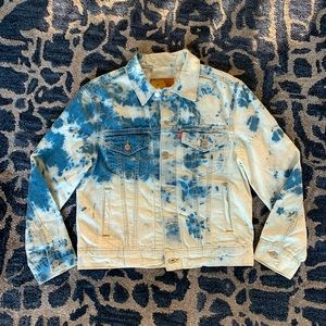 NWT Levi's tie dye Ex-boyfriend denim/jean jacket